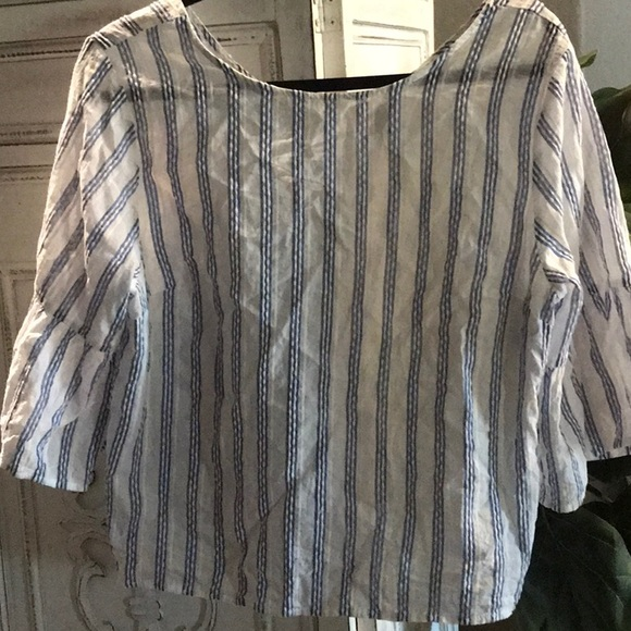 Universal Thread Tops - Crop top whit with navy blue stripes